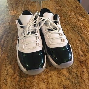 💯 authentic emerald green Air  Jordan